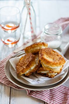 Oh myyyyyyy -- La Mozzarella in Carrozza [deep fried cheese sandwich, I must be dreaming] #stretchypants #tailgating