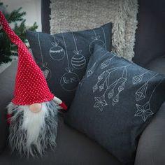 DIY: Pussukka tuplavetoketjulla - Punatukka ja kaksi karhua Sewing Patterns, Throw Pillows, Toss Pillows, Cushions, Decorative Pillows, Patron De Couture, Decor Pillows, Dress Patterns, Scatter Cushions