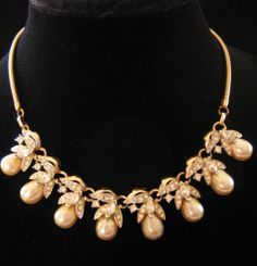 Vintage Mid Century Goldtone Rat tail Rhinestone and Faux Pearl Necklace