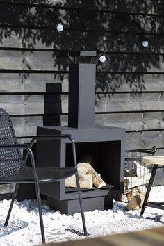Een tuin is pas echt af als er een tuinhaard in staat. Heerlijk een warm vuurtje maken tijdens een frisse lente avond, een herfst dag of een winter dagje! Hierdoor...