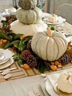 13 Rustic Thanksgiving Table-Setting Ideas : Page 02 : Decorating : Home & Garden Television