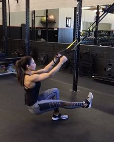 "16.9k Likes, 549 Comments - Alexia Clark (@alexia_clark) on Instagram: ""TRX 1. 10 reps 2. 15 reps 3. 15 each side 4. 40seconds 3-5 rounds #AlexiaClark…"""