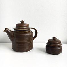 Handmade vintage Arabia Finland tea pot and sugar bowl set