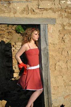 Menyecske ruha | Gyöngyházszalon One Shoulder, Shoulder Dress, Dresses, Fashion, Vestidos, Moda, Fashion Styles, Dress, Fashion Illustrations