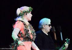 Blondie - Debbie Harry on Blondie Concert, Chris Stein, Blondie Debbie Harry, Kew Gardens, Blondies, Stage, Joker, Punk, Fictional Characters