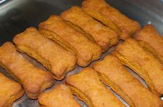 In an effort to find a quick way to help my dog, Sputnick, with his upset stomach, I came across a recipe for pumpkin dog treats. Pumpkin is supposed to naturally soothe upset tummies for dogs, so … Pumpkin Dog Treats, Homemade Dog Treats, Pumpkin Dog Biscuits, Dog Treat Recipes, Dog Food Recipes, Dog Upset Stomach, Peanut Butter Dog Treats, Puppy Treats, Can Dogs Eat