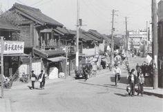 Sendagi Dango zaka tokyo 1952 by Nagano Shigeichi