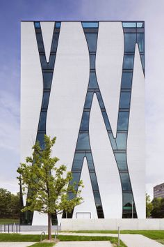 A glass forest scales the facade of the Dusseldorf Medical Library: http://arc.ht/1srmCXj