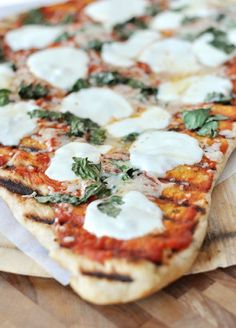 Grilled Pizza {How-To} | Mel's Kitchen Cafe