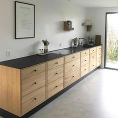 SkabRum, Kitchen in oak. Cosy Kitchen, Kitchen Dinning, New Kitchen, Kitchen Furniture, Kitchen Interior, Kitchen Design, Plywood Kitchen, Affordable Furniture, Home Kitchens