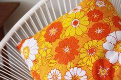 Yellow, orange & white floral 70´s pillow.