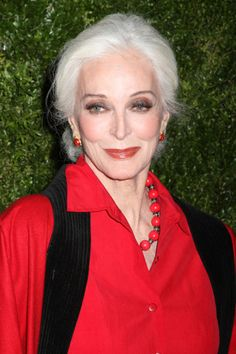 There's a reason Carmen Dell'Orefice is still a top model, and that white mane is one of 'em. #refinery29