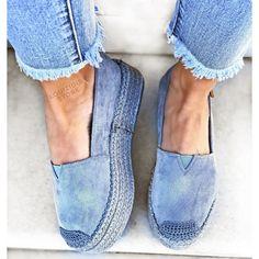 Εσπαντρίγιες Fyrla δίσολες μπλε Espadrilles, Flats, Image, Shoes, Fashion, Espadrilles Outfit, Loafers & Slip Ons, Moda, Zapatos