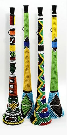 Beaded Vuvuzelas (Tswana: lepatata Mambu) used at football matches in South Africa. African Life, African Culture, African Art, All About Africa, Out Of Africa, Art Et Architecture, Xhosa, African Crafts, African Textiles