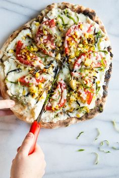 Nothing Tastes Like Summer Quite Like Tomatoes And Corn. Flame broil Up Your Extras We Know You've Got A Ton, And Pile Them Onto A Crust Topped With Garlic-Infused Ricotta For This Healthy Grilled Veggie Pizza. I Love Food, Good Food, Yummy Food, Whole Food Recipes, Cooking Recipes, Pizza Recipes, Barbecue Recipes, Barbecue Sauce, Grilling Recipes