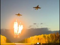 Vshare Post: USA F 22 Raptor VS Russian Mig 29 in action