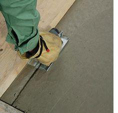 Home-Dzine - How to lay a DIY concrete patio Concrete Patios, Concrete Pad, Patio Slabs, Concrete Walkway, Patio Roof, Concrete Floors, Laying Concrete, Patio Decks, Diy Deck