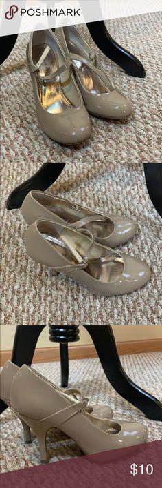 Crocs Patricia Wedge Heel Black Sandals Women's Size 8 GUC