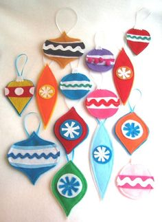 Great Green Goods – Shopping the Eco-friendly Way! - Shopping Blog - All made from recycled materials » Blog Archive » Recycled Christmas Ornaments