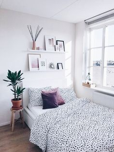 The Best College Apartment Bedroom Decor Ideas The Best College Apartment Bedroom Decor Ideas Apartment Bedroom Decor, Room Ideas Bedroom, Living Room Decor, Decoration Inspiration, Decor Ideas, Aesthetic Bedroom, Dream Rooms, My New Room, House Rooms