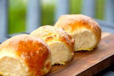Billed resultat for fødselsdagsboller Bread Recipes, Cake Recipes, Cooking Recipes, Cooking Cookies, Cocktail Desserts, Good Food, Yummy Food, Danish Food