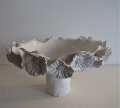 coupe blanche en céramique réalisée par Patricia Dindinaud