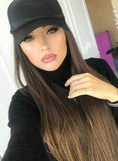 Most Beautiful Share the beauty and love Beautiful Eyes, Gorgeous Women, Portrait Photos, Hat Hairstyles, Woman Face, Pretty Face, Straight Hairstyles, Beauty Women, Makeup Looks