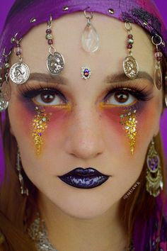 Gypsy / Fortune Teller makeup Look for Halloween! 2019 Cute Halloween makeup look. Unique Halloween Makeup, Holiday Makeup, Couple Halloween Costumes, Halloween Outfits, Halloween Make Up, Halloween Party, Halloween 2019, Halloween Ideas, Fortune Teller Makeup