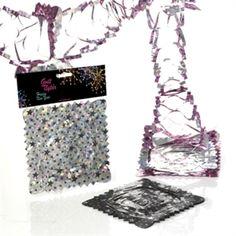 Køb flot og dekorativt nytårspynt i Partybutikken #fest #pynt