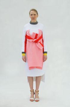 Miuniku is a women's ready to wear fashion brand. Deconstruction Fashion, Fashion Silhouette, Fashion Details, Fashion Design, Couture Details, Fashion Brand, Womens Fashion, Valentino, Givenchy