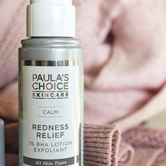 Have sensitive skin but still want to exfoliate? Check out the blog for my thoughts on @paulaschoice CALM Redness Relief 1% BHA Lotion Exfoliant