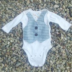 Little Mans Onesie Vest, (Tutorial here: http://bisforboycreations.blogspot.com/2011/04/little-gentlemans-faux-vest-onesie.html)