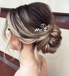 ▷ 1001 + ideas - trendiest wedding hairstyles for wedding season 2019 - low updo, small pearl hair accessory, bridal updos, brown hair with highlights, small braid - Short Bridal Hair, Loose Wedding Hair, Wedding Hair And Makeup, Low Bridal Updo, Wedding Updo With Braid, Wedding Guest Hair Up, Bridal Hair Updo Loose, Wedding Hair Updo, Hair Makeup