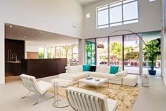 contemporary living room by tuthill architecture