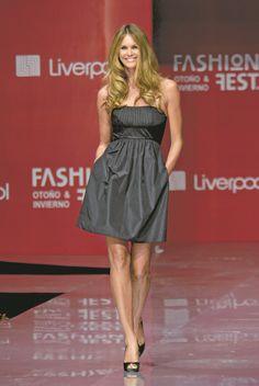 e5da6405a1 19 imágenes increíbles de Supermodels LIVERPOOL Fashion Fest ...