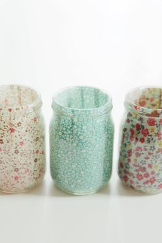 iv'e always liked the idea of mason jars as makeup brush holders. these are the cutest ones iv'e seen yet.