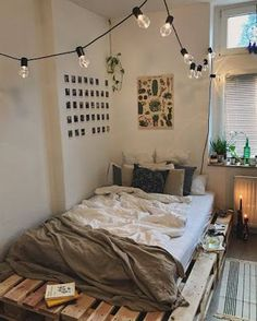 Small Bedroom Ideas – Small bed rooms can have magnificent design with the best … Kleine Schlafzimmerideen – Kleine Schlafzimmer Master Bedroom Design, Bedroom Inspo, Hippy Bedroom, Bedroom Small, Trendy Bedroom, Small Room Interior, Small Bedroom Decorating, Ideas For Small Bedrooms, Master Suite