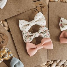 Our Bonnie Bow Set comes with 3 bows that are each decorated differently to ensure your bundle of joy captures a unique look. Baby Girl Bows, Baby Girl Headbands, Girls Bows, Bows For Babies, Diy Hair Bows, Diy Bow, Diy Ribbon, Felt Hair Clips, Baby Hair Clips