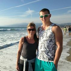 Santa Monica beach is so beautiful!! I need be there right now. I love CA if I could I'd move there in a blink of an eye!!! My aunt Laura, my son and I had the best trip this year!! 🙄😎🤗 #beach #pacificbeach #ca #california #familytimeisthebesttime #sun #fun #goals #bloggerstyle #picoftheday #myson #instafollow #vacation #beautiful #obsessed #pacificbeachlocals #sandiegoconnection #sdlocals #sandiegolocals - posted by Meals Made Simple by Mindy…