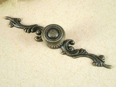 Rustic Dresser Drawer Knobs Pulls Backplate Antique Bronze / French Cabinet Handles Pull Knob Ornate / Cottage Chic Furniture Hardware 125