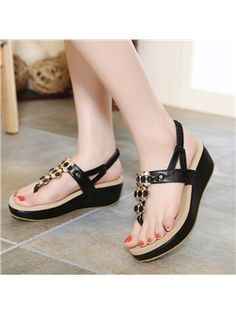 Ericdress Stylish Rivet Thong Flat Sandals