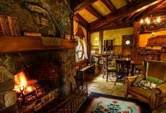 The Green Dragon Pub in Hobbit Village Hobbiton, New Zealand Casa Dos Hobbits, Pub Set, Green Dragon, Peaceful Places, Sweet Home, Lord Of The Rings, The Hobbit, Hobbit Land, Architecture
