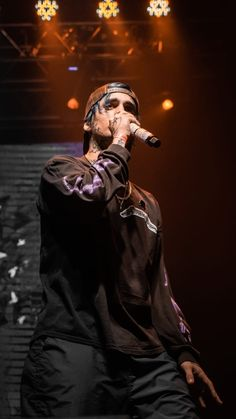 Rap, Mens Fashion, Boys, Wallpapers, Dope Wallpapers, Phone Backgrounds, Teen Boy Fashion, Famous People, Exhibition Display