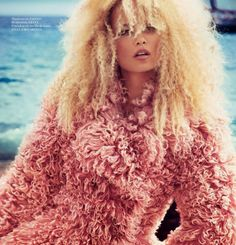 Blast from the past because, who said you can't wear fur in Summer?   #fur #vogue #colour #ss16