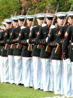Sunset Parade - Iwo Jima memorial - marines Summer to-do