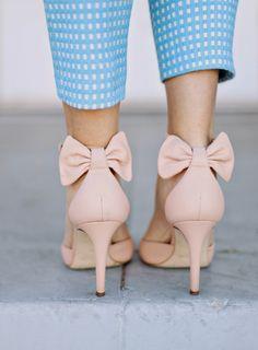 J crew Pink bow heels Sock Shoes, Cute Shoes, Me Too Shoes, Shoe Boots, Fancy Shoes, Bow Heels, Shoes Heels, J Crew, Style Vintage