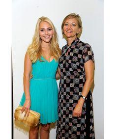 Анна - София Робб с мамой