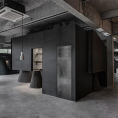 Black cabt system - HEIKE fashion brand concept store by Hangzhou AN Interior Design Co.,Ltd.