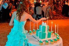 """Tus 15 años """"rock and rolleros"""" Arabian Nights Party, Diy Fashion, Fashion Outfits, Indian Party, Sweet 15, 15th Birthday, Quinceanera, Victoria's Secret Pink, Birthday Candles"""