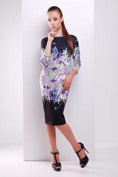 8729dbfa053 Купить прямое платье до колен черного цвета с принтом цветами. Облегающее  Платье